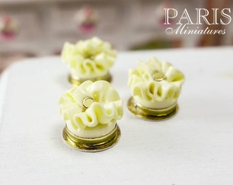 Feuille d'Automne - French White Chocolate Ruffle Cake (Small) - Miniature Food in 12th Scale
