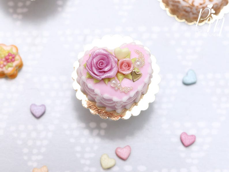 Mto Pink Heart Shaped Cake Decorated With Roses Miniature Etsy