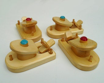 Wood Toy Small Paddle Boat Set, Rubber Band Powered Wooden Bathtub Toy, Handmade Kids Waldorf gift, Jacobs Wooden Toys