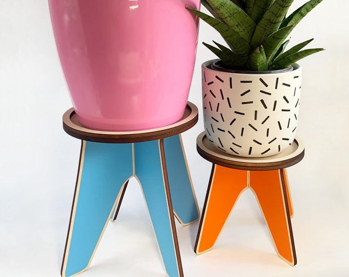 LOOOP wooden plant stand, wood plant holder, indoor plants, plant riser, house plant, colorful plant stand, Scandinavian design
