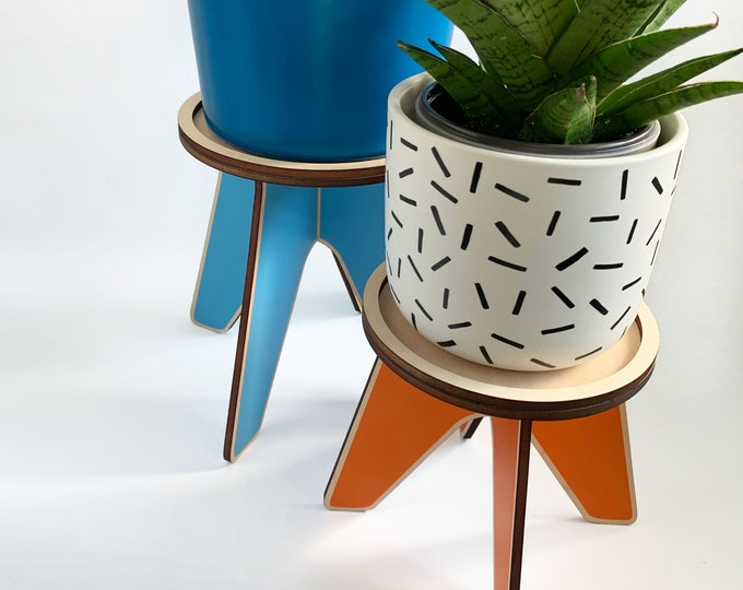 Colorful wood plant stand, LOOOP, wooden plant holder, indoor plant stand, house plant holder, Scandinavian design, contemporary home, riser