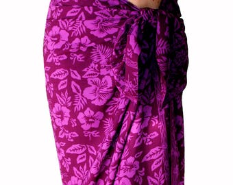 Beach Sarong Pareo in Magenta Purple Hawaiian Hibiscus Flowers - Batik Sarong - Swimmer & Surfer - Swimsuit Cover Up - Sarong Wrap Skirt