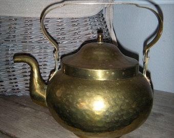 Vintage Hammered Brass Kettle ~ Tea pot ~