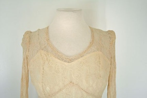 1930s cream satin and lace wedding dress - image 2