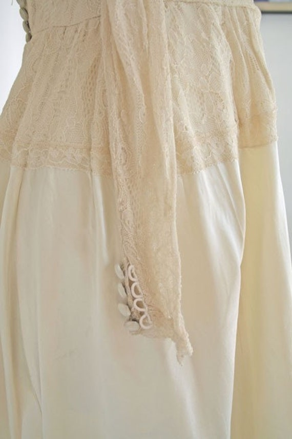 1930s cream satin and lace wedding dress - image 3