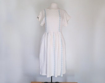 ROMAN HOLIDAY // cream and blue linen 1950s dress with button back M / L / Xl