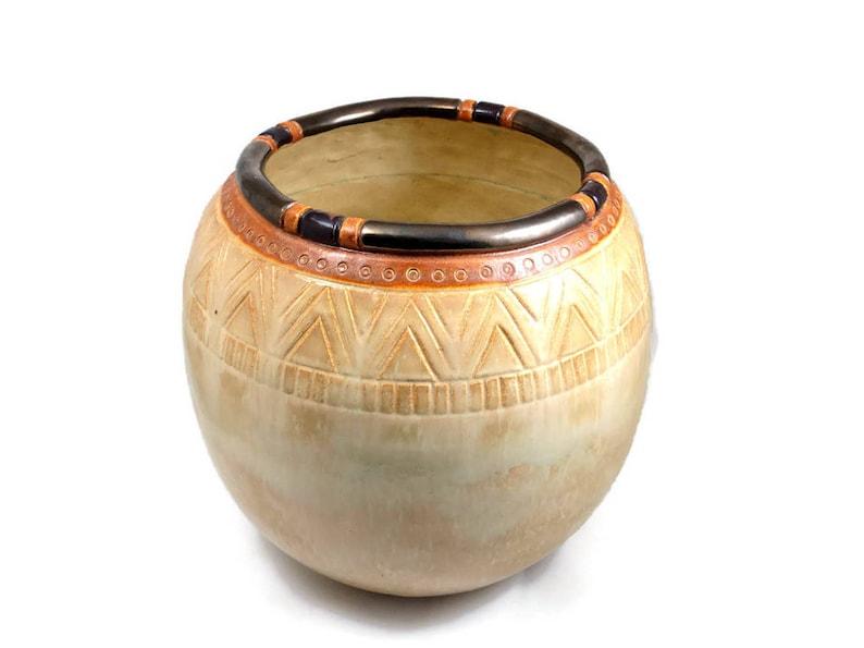 HANDMADE Dainty Ceramic Coil Vase