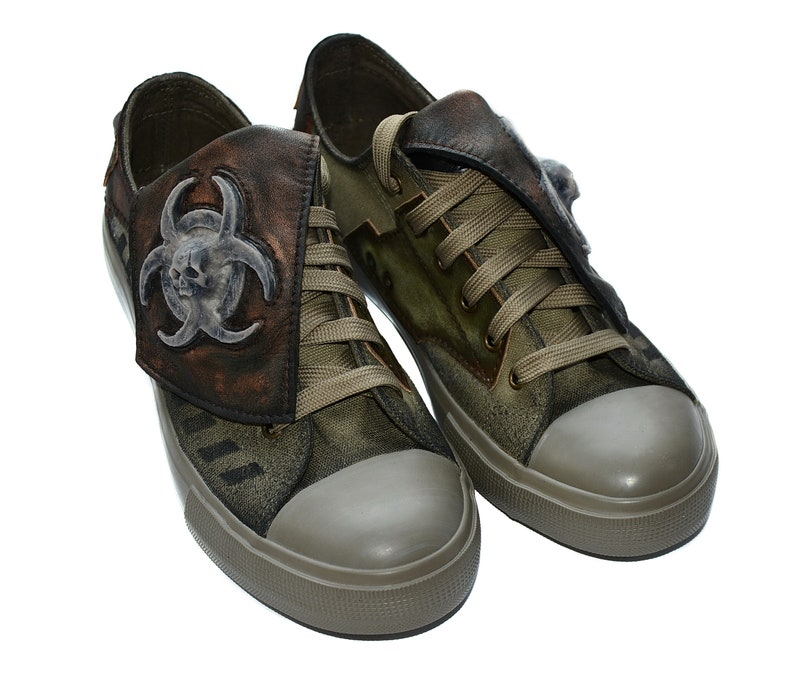 a4d723b537d5b CUSTOM SNEAKERS - Biohazard - Mad Max - Post apocalyptic - Personal order -  STEAMPUNK - Wasteland - steampunk mask - fallout - street style