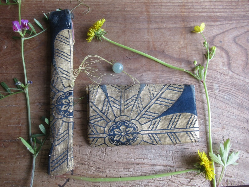 ToBACCO POuCH and JADe BeaD FREE SHiPPING!! ANTiQUE SiLK BRoCaDe  PiPE CASe with PiPE
