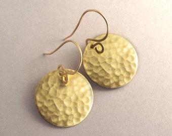 Hammered Gold Earrings, Golden Brass Disc Earrings, Simple Gold Earrings, Gold Tone Earrings, Everyday Earrings, Gold Circle Earrings