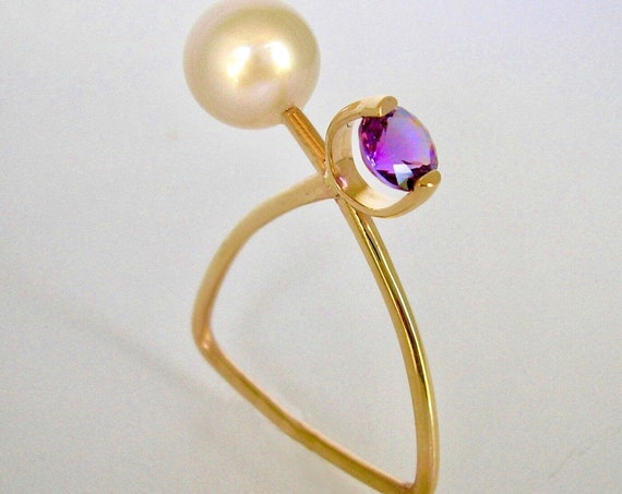 Abstract 14K yg Pearl and Amethyst Ring