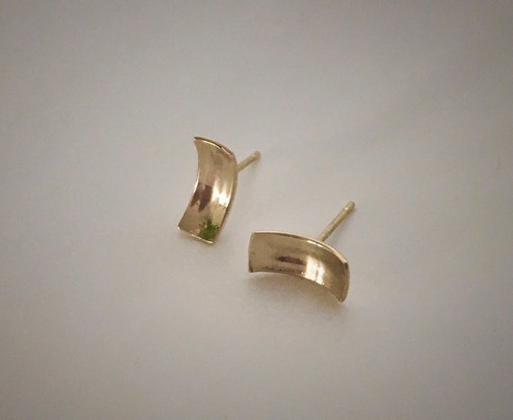 14K YG Concave Stud Earrings
