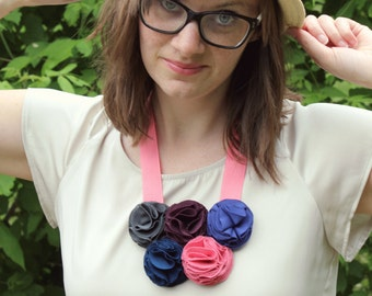 Flower Necklace - Multicolor Bib Style
