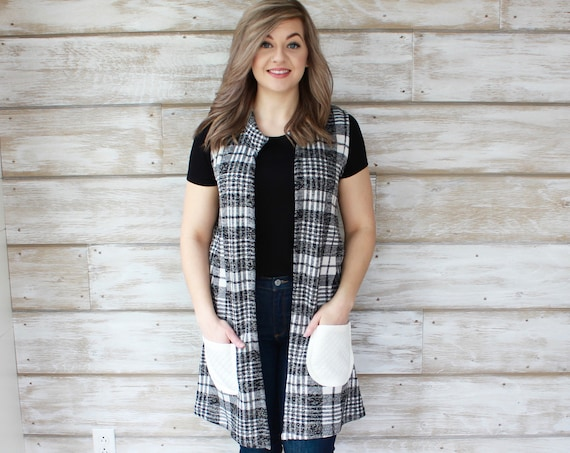 Plaid Sweater Vest - Black & White
