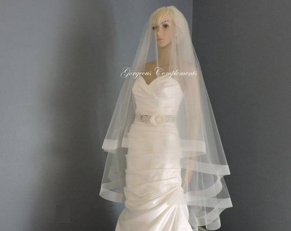 "Ready Made Waltz Light Blush Bridal with Crinoline Horsehair Trim 2"" Drop Veil"