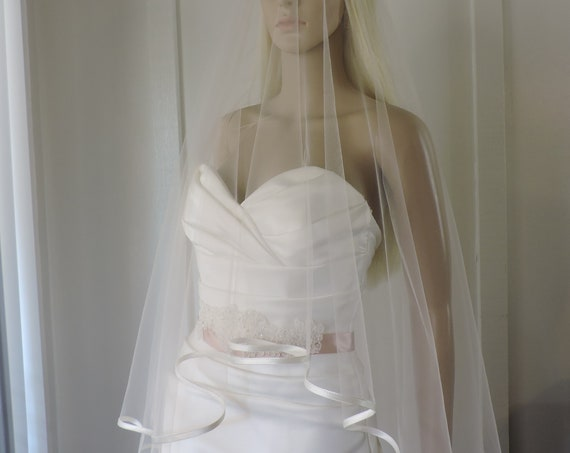 Charlize Bias Satin Edge Drop Veil