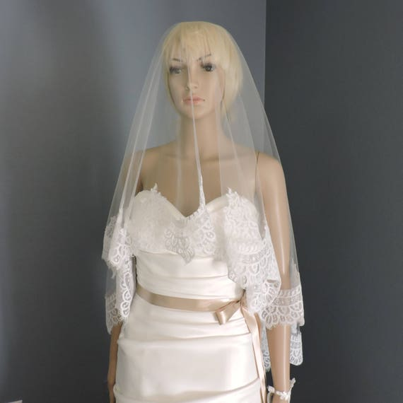 Wedding Mantilla with Chantilly Style Lace, Bridal Veil Trim-White-Ivory-Off white-BLUSH