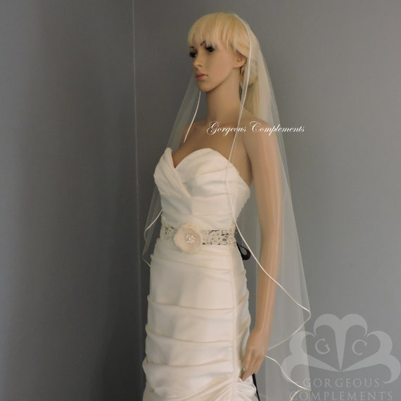 Ready to Ship Sweetness Veil in Diamond White Waltz Ready Made
