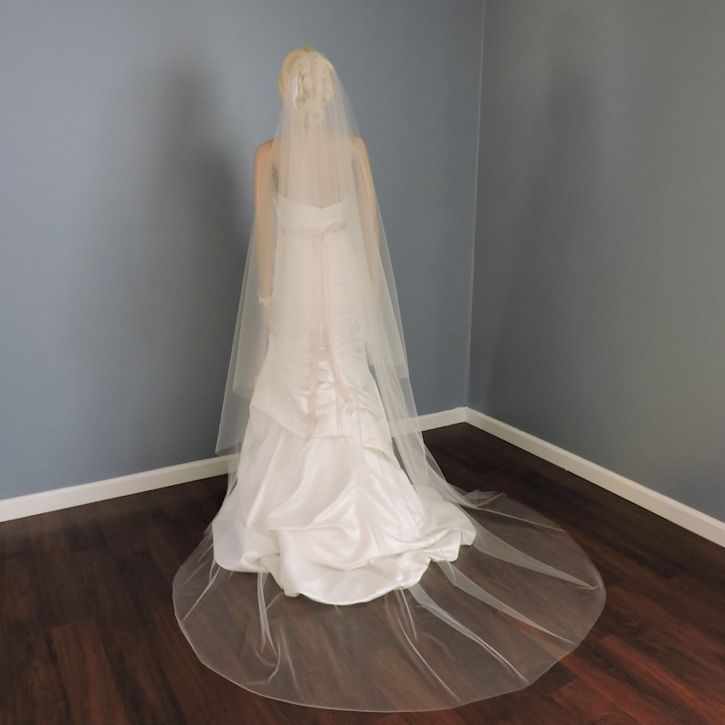 Wedding Veil Gorgeous Chapel Drop Cut Edge Bridal Veil 3690CE