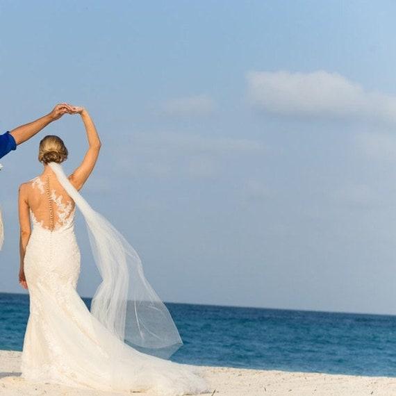 Floor Wedding Veil Single Tier Medium Fullness Classic Bridal Veil CUT EDGE CE70X90