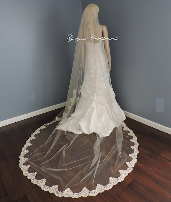 Light Ivory Mantilla with Alencon Lace Style Trim, Bridal Veil