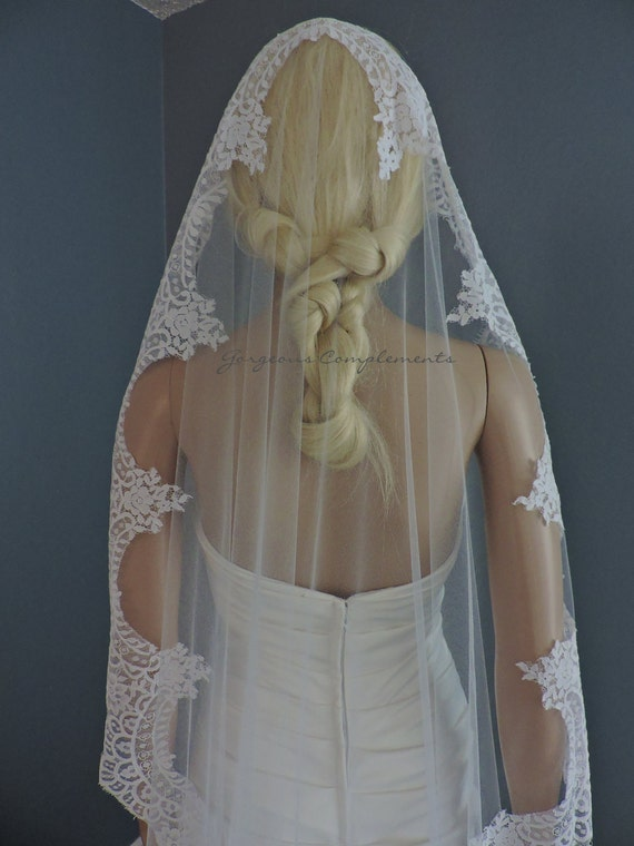 Waltz Wedding Mantilla with Chantilly Style Lace, Bridal Veil White