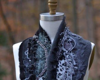 Cachemire long gris noir châle/écharpe. OOAK boho texturé art portable accessoire, unique accessoire, Cachemire refashioned éco-Couture
