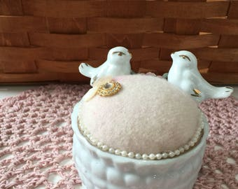 Sweet Birds Pincushion. Ceramic Birds Sewing Pincushion, Vintage Birds Container Pincushion