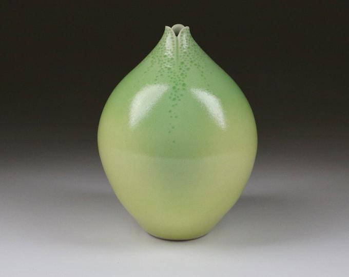 Mariposa Lily Vessel #1