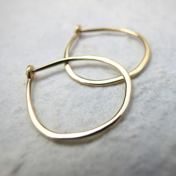 Medium Solid 18k Gold Hoops 3 4 Inch Hand Forged Solid Gold Etsy