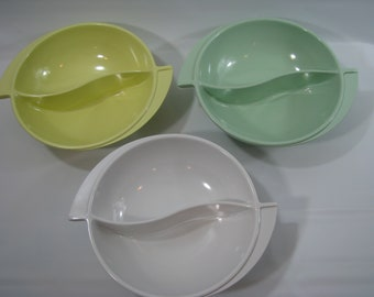 CHOICE Vintage Boonton Melmac Divided Bowl White Pastel Yellow Mint Green 605-10