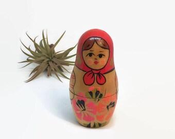Vintage Matryoshka Nesting Dolls