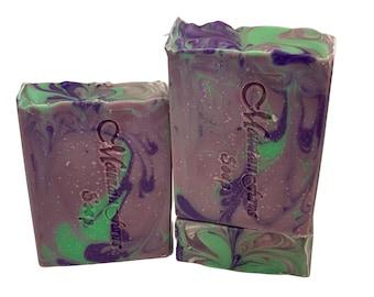 Lavender Apple Oak Handmade Natural Soap Bar - Organic Shea Butter Soap - Vegan Soap Bar - Zero Waste Soap - Moisturizing Soap - Gift Soap