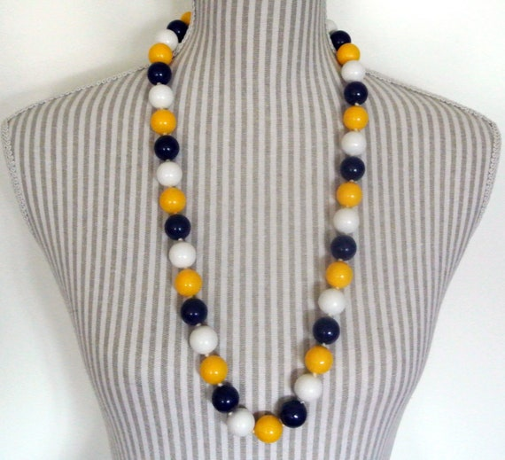 PLASTIC SPHERES NECKLACE Vintage 80 Woman Red Blue Yellow Plastic Pearls Beads Necklace Chunky Necklace