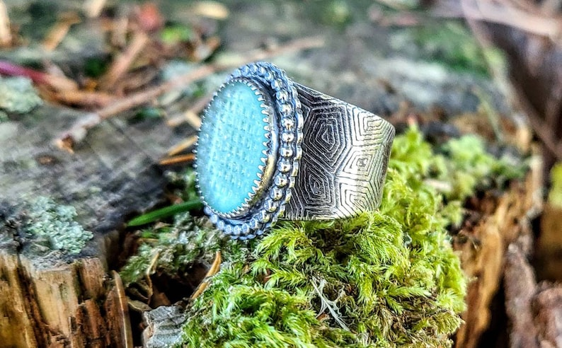 Vintage Japanese Ohajiki Sea Glass Handcrafted Silver Turtle Shell Patterned Wide Band Ring Size 9.5