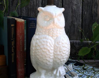 Solid White Owl Table Lamp