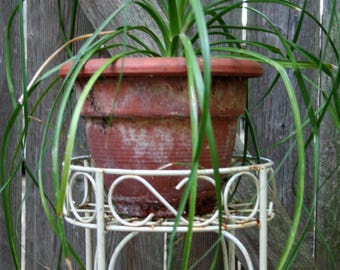 Shabby Chic Rusty Chippy Wire Double Tier Plant Stand