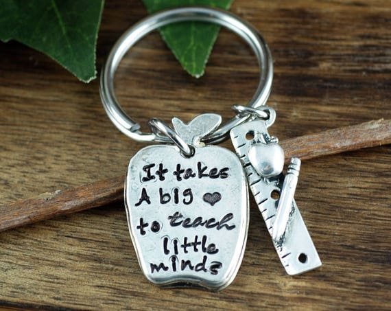 Teacher Keychain, It takes a big heart to teach little minds, Keychain for teacher, Custom Keychain, Teacher Appreciation Gift
