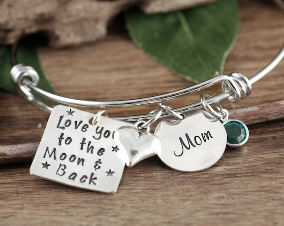 Personalized Mom Bracelet, Personalized Grandmother Bracelet, Mothers Bangle Bracelet, Bracelet for Daughter, Love you to the Moon & Back