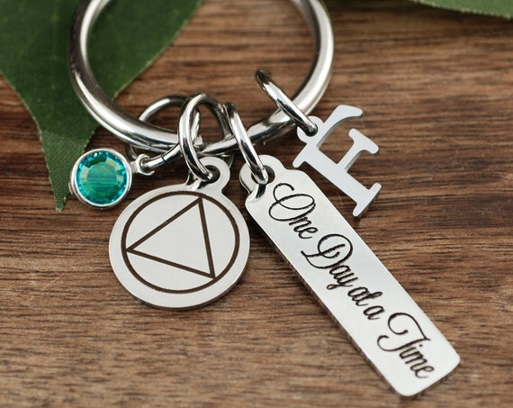 One day at a Time Keychain, Personalized Sobriety Gift, Sobriety Keychain, Sobriety Date Jewelry, Sobriety Gift for Her Him, Sober Date