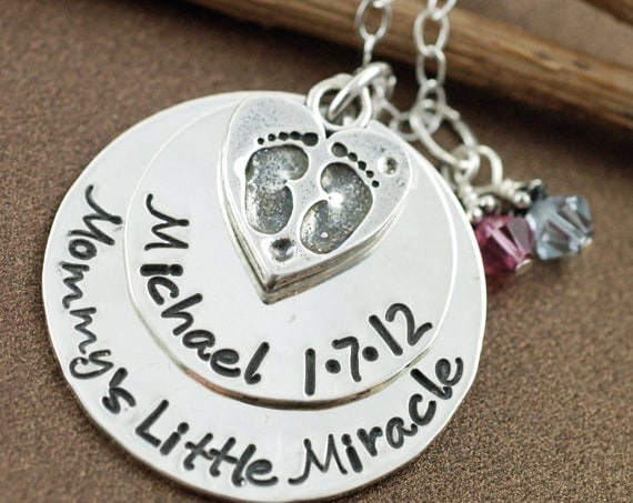 Personalized Mommy Necklace, Mommy's little Miracle, Custom Hand Stamped Necklace, Baby Feet Necklace, Push Present, Mommy Necklace