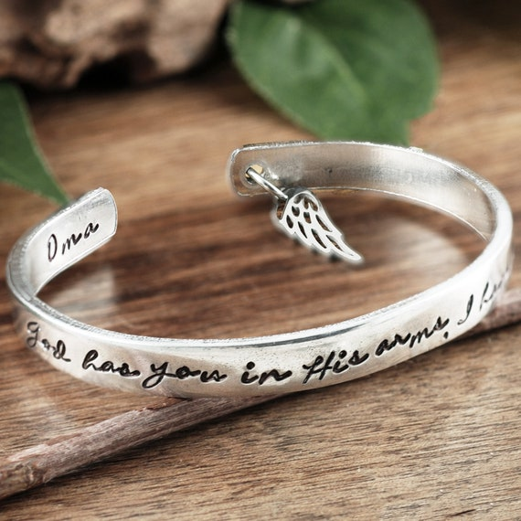 God has you in His arms I have you in my Heart, Personalized Memorial Bracelets, Sympathy Gift, Loss of Parent Gift, Remembrance Jewelry