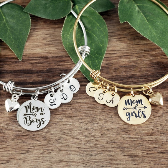 Mom of GIrls Bracelet, Personalized Girl Mom Bracelet, Mothers Day Jewelry, Birthday gift for Mom, Custom Initial Jewelry, Gift for Mom