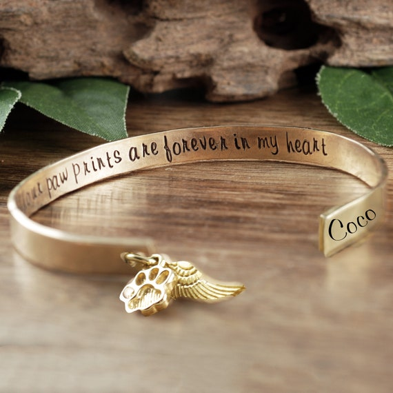 Forever in my Heart, Paw Prints in my Heart, Personalized Memorial Bracelet, Memorial Gift, Sympathy Jewelry, Loss of Pet, Dog Mom Gift