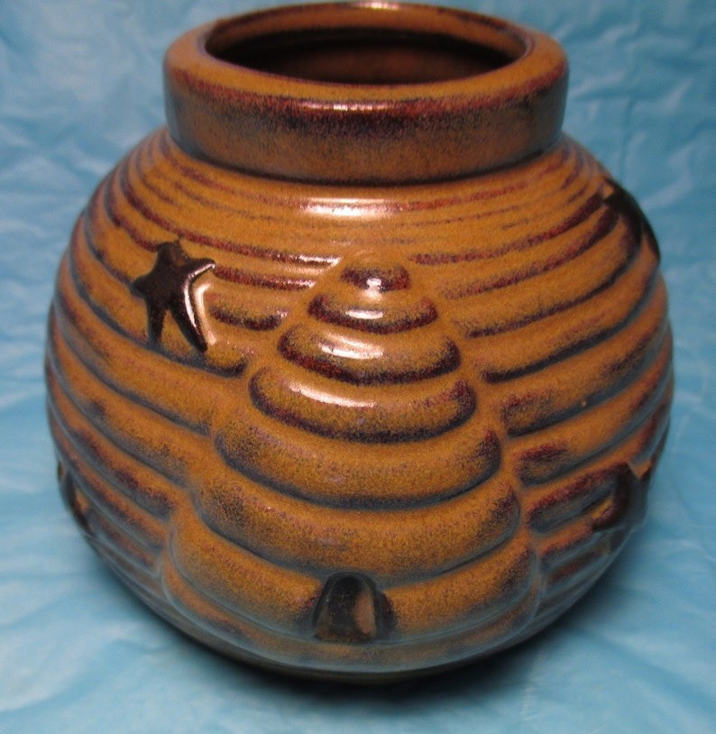 Vintage Pottery HONEY POT Hive Cansiter jar table accessory country bee  decor potting shed kitchenware dessert