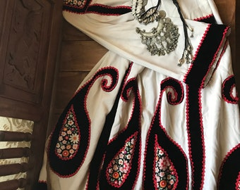 Rare & Iconic 1960's Vintage Malcolm Starr Paisley Tunic Dress~Floral Calico~Black Velvet