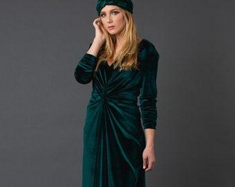 9b2dbe770b6 Emerald Velvet Reversible Knot Dress