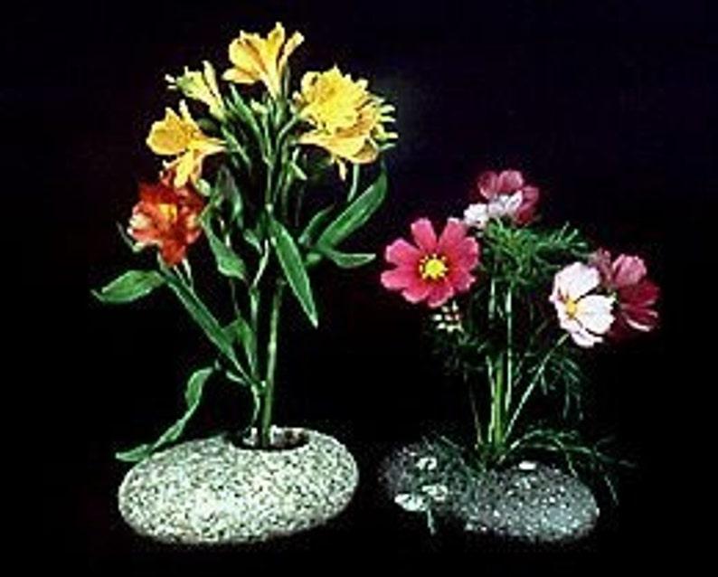 Ikebana Vase image 0