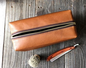 Personalized Dopp Kit - Mens Toiletry Bag - Leather Toiletry Bag - Groomsman Gift - Tan Bovaria