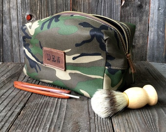Camo Dopp Kit - Personalized Dopp Kit - Mens Toiletry Bag - Groomsmen Gift - Camo Green